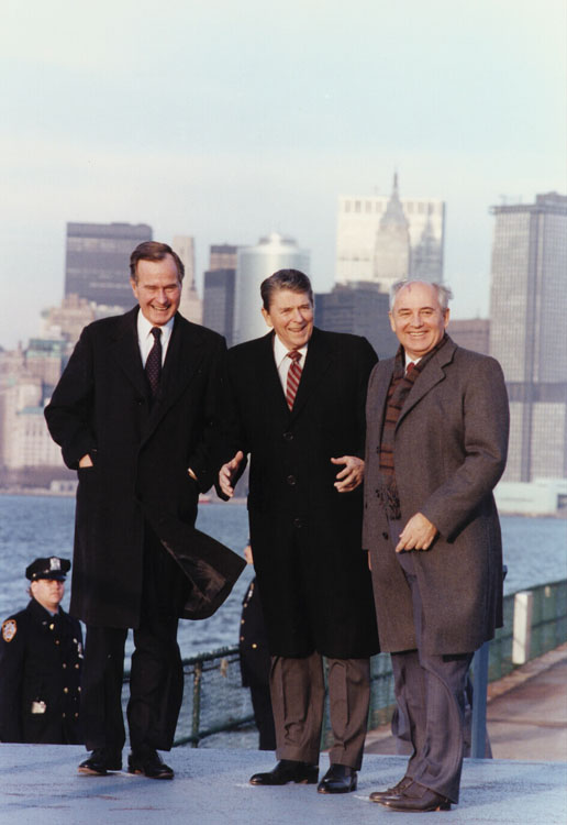 Reagan_Bush_Gorbachev_in_New_York_1988